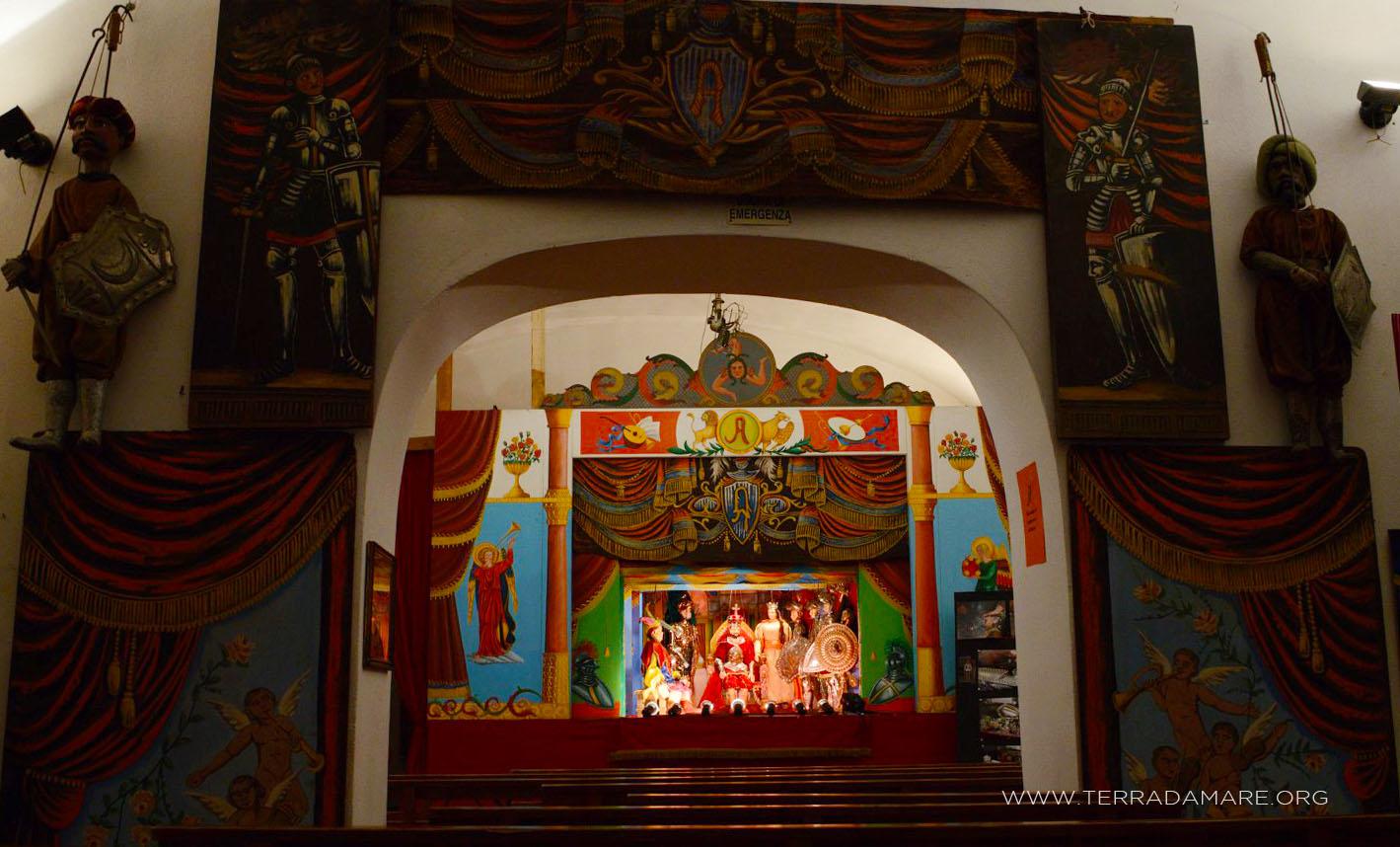 16 giugno notte al teatro dei pupi siciliani argento la for Mastro arredamenti palermo